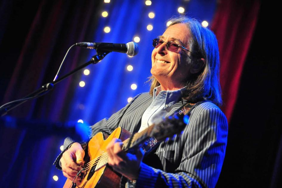 Dougie MacLean comes to the House of Hearing